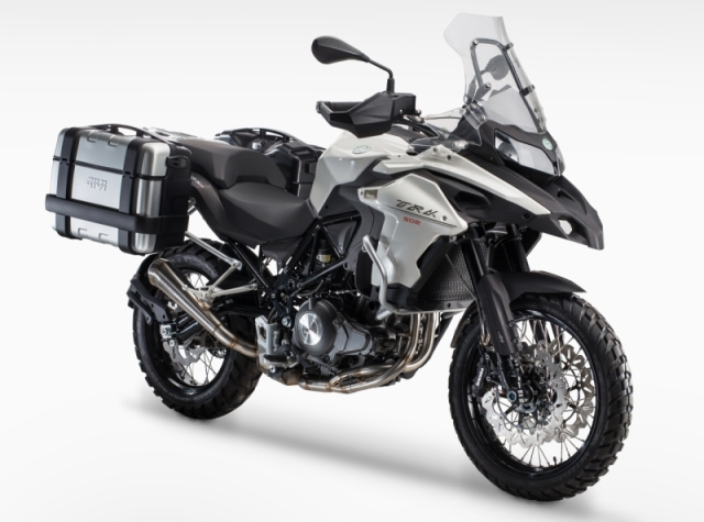Benelli-TRK-502-front-quarter-unveiled-at-EICMA-2015