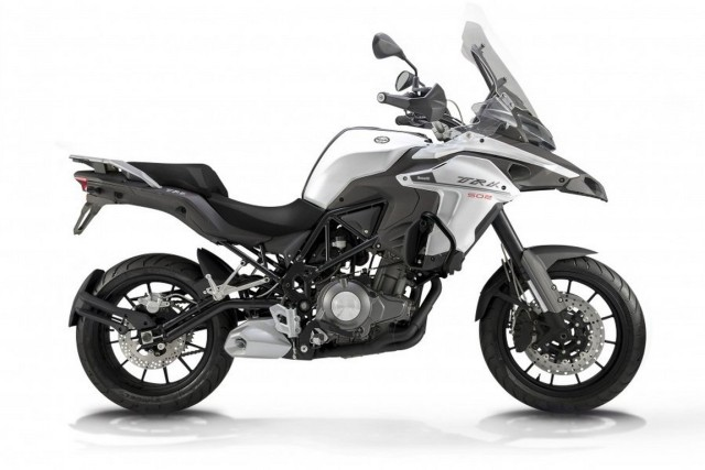 Benelli-TRK-502-side-road-version