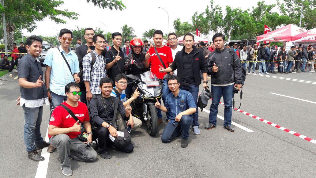 Harga Honda CBR 250RR OTR Surabaya mulai 63 Jutaan Non ABS dan 69 Jutaan ABS